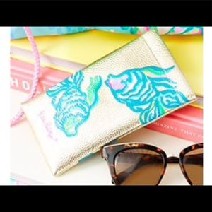 Gold NWT Lilly Pulitzer Sunglass Case Blue GWP